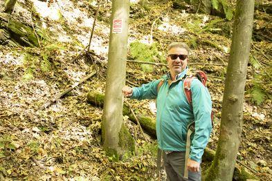 Wanderprofi und Pate der Aktion, Manuel Andrack, führte bei bestem Herbstwetter über den Rothaarste